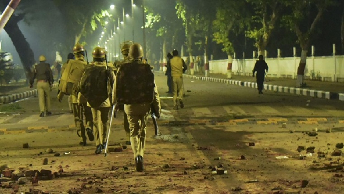 AMU to file FIR over police action against students