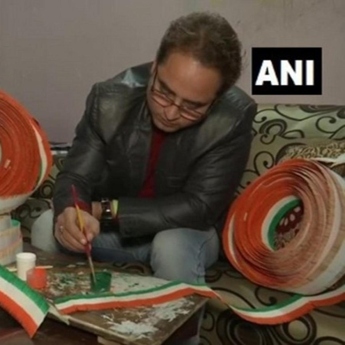 Amritsar school teacher makes national flag with 71,000 toothpicks