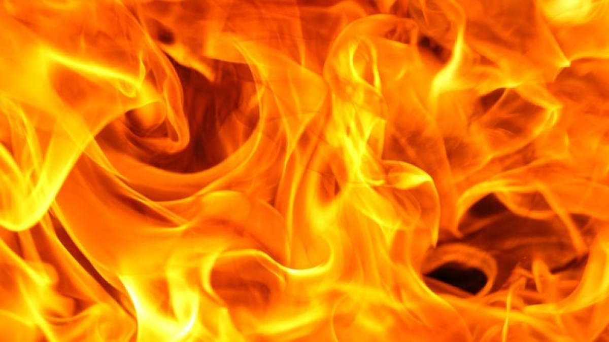 Hyderabad: Fire breaks out in plastic godown at Sai Baba Nagar, no casualty reported
