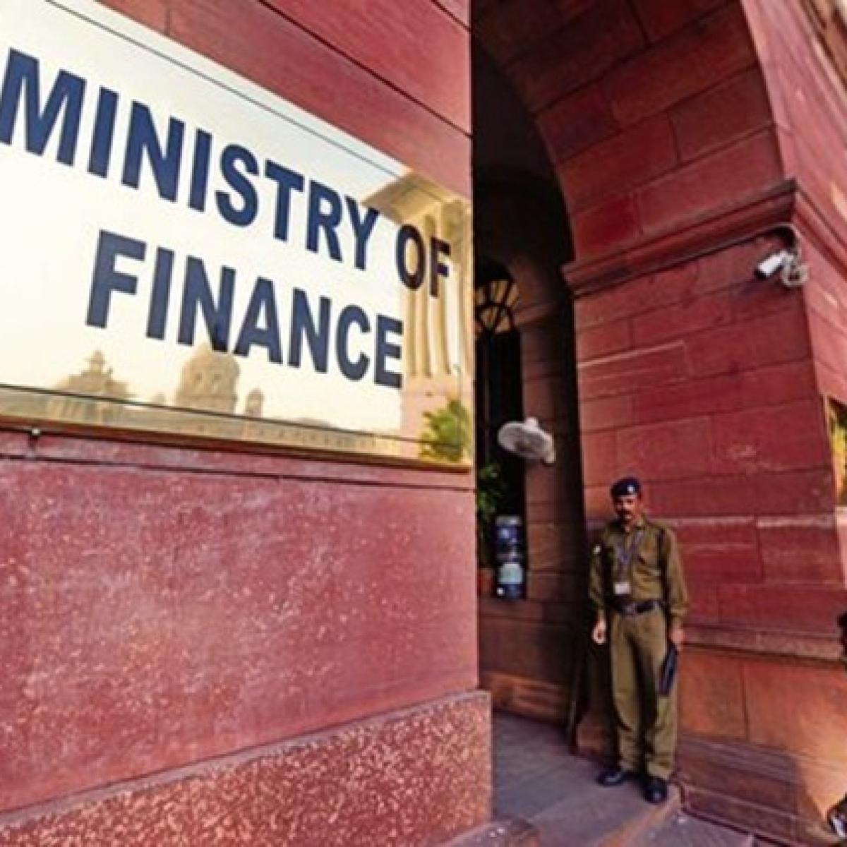 Finance panel bats for a range of fiscal deficit