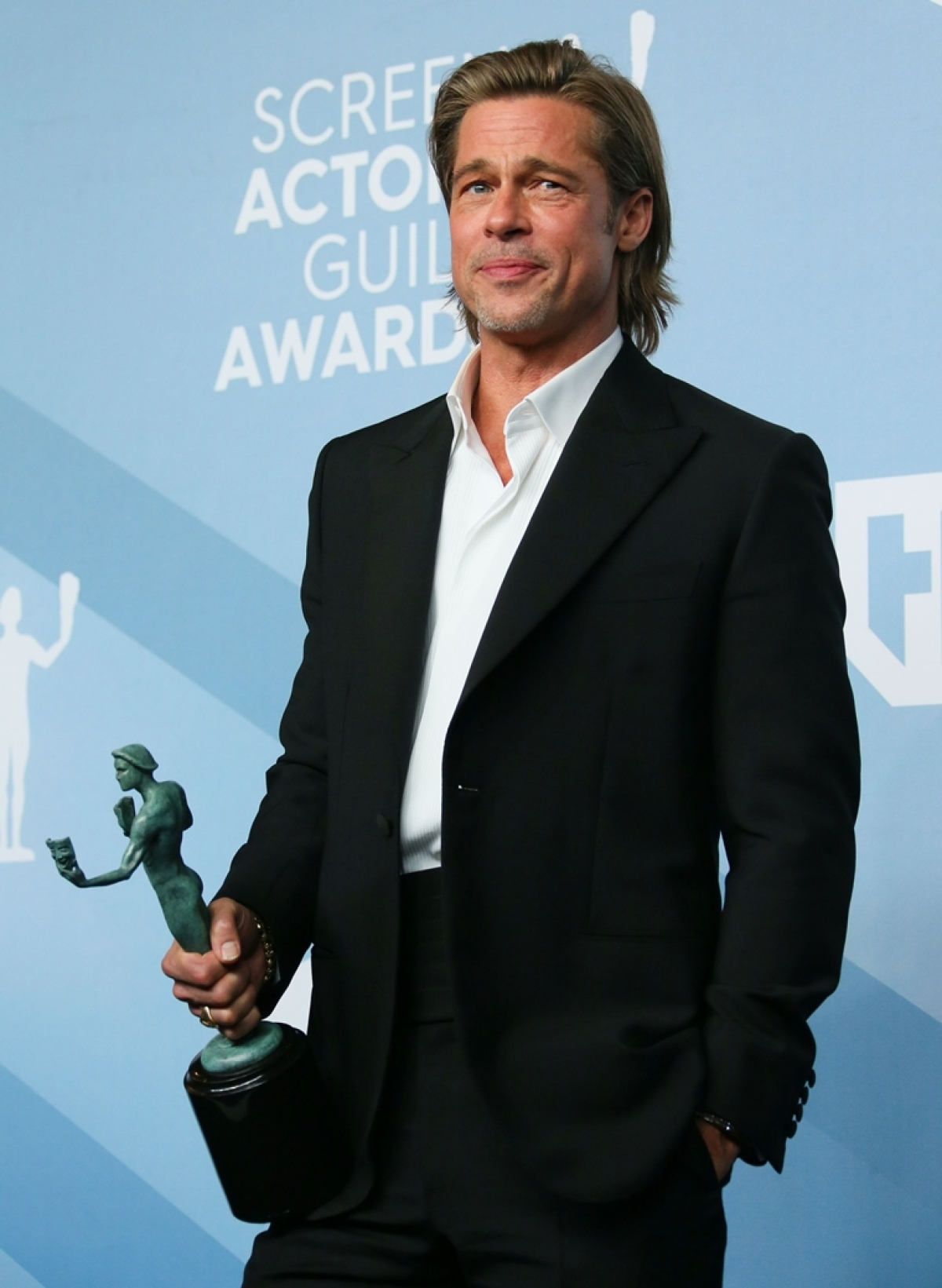 Brad Pitt drops everything backstage to watch Jennifer Aniston's speech at SAG Awards