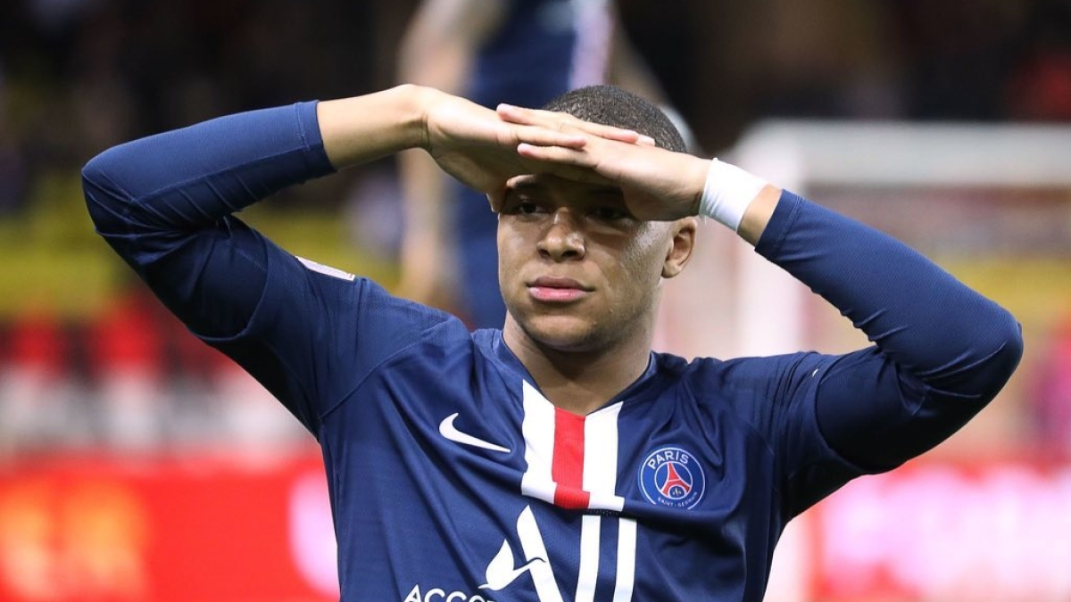 After Neymar and five other PSG players, Kylian Mbappe tests positive for COVID-19