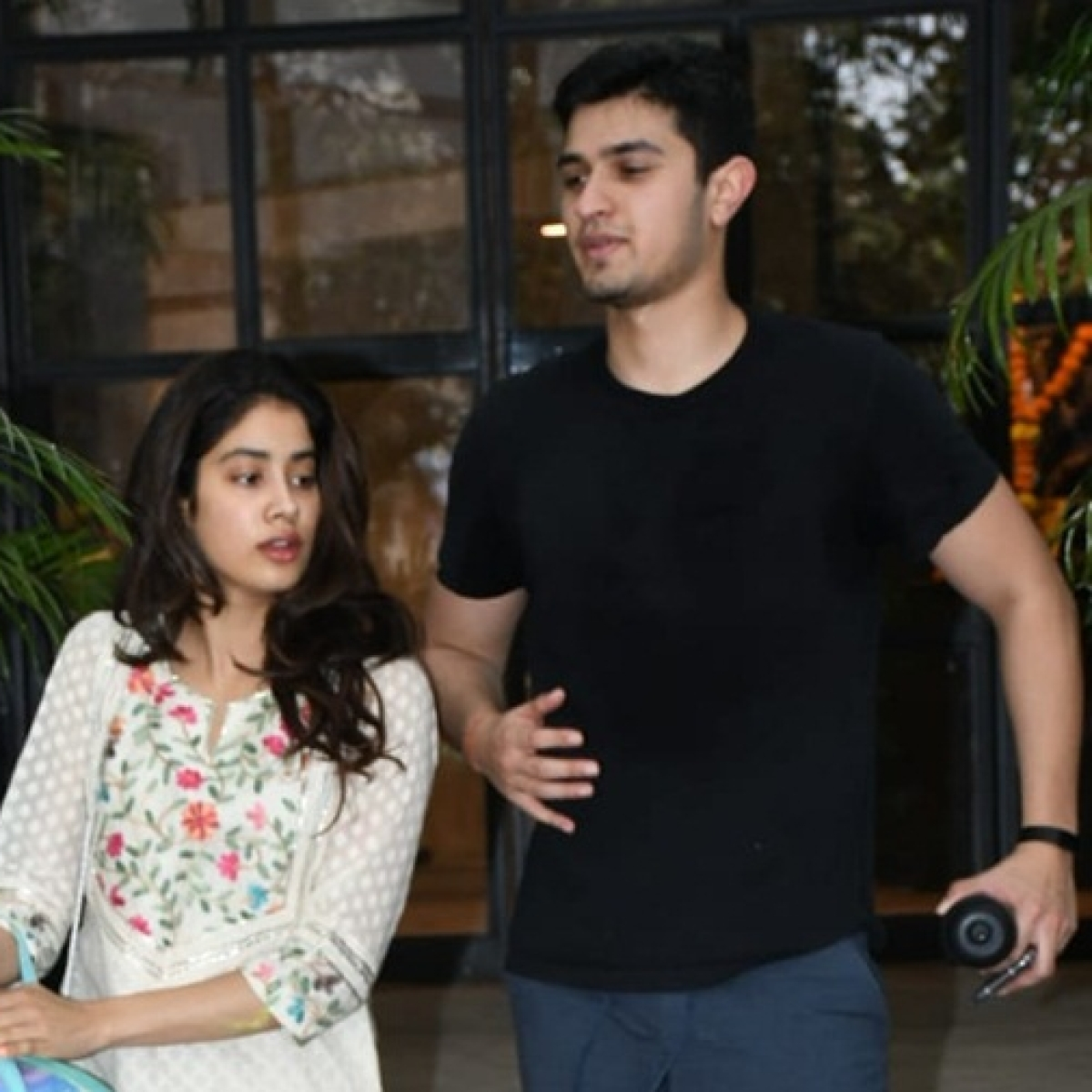 Janhvi Kapoor spotted with 'mystery man' outside the gym; see pics
