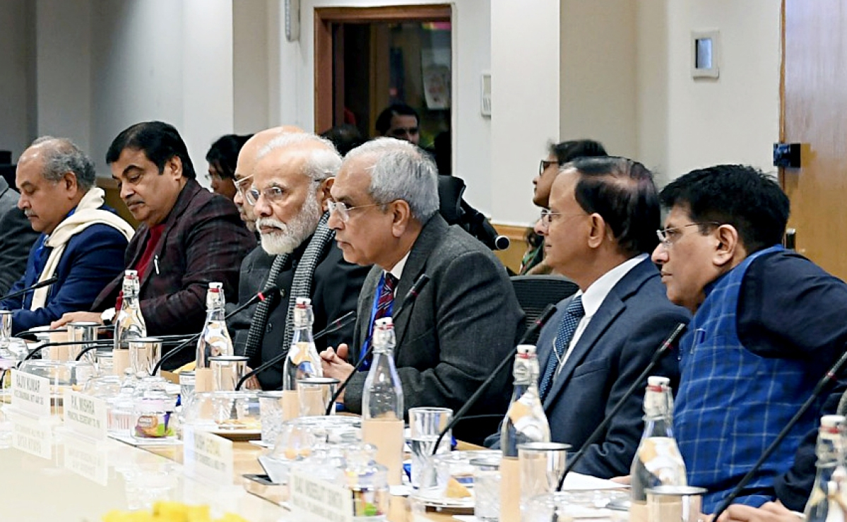 Prime Minister Narendra Modi interacting with the Economists and Experts in a meeting, at NITI Aayog, in New Delhi on Thursday.