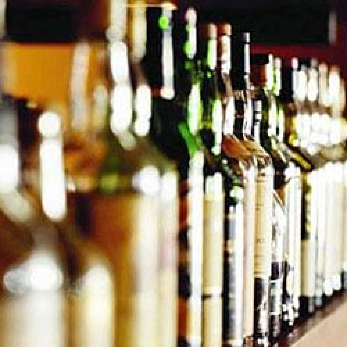 MP Govt, Indore and Bhopal district administration come face to face over liquor shops' re-opening