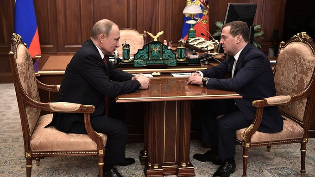 Russia PM Dmitry Medvedev quits as Putin seeks constitutional changes