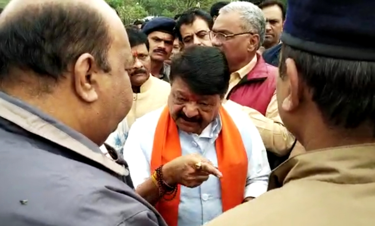 Kailash Vijayvargiya expressing his anger with ADM BBS Tomar at Residency on Friday.