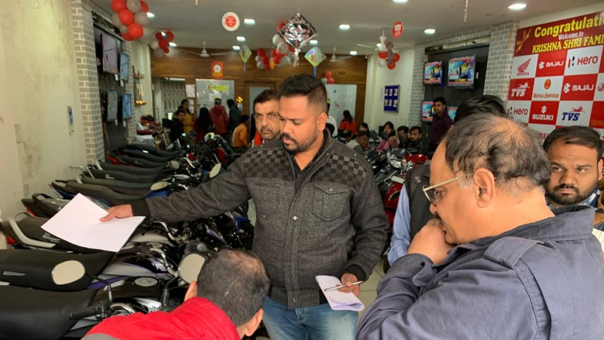 Indore: RTO raids 8 sub dealers' premises, seize 155 vehicles