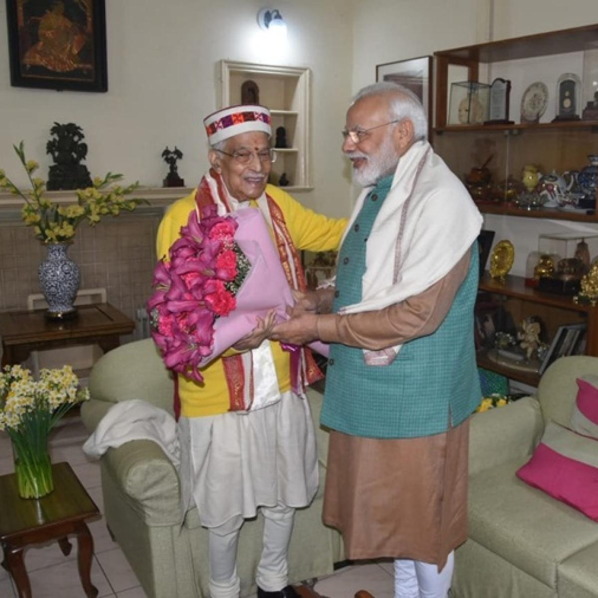 PM Modi meets Murli Manohar Joshi on his birthday, extends greeting