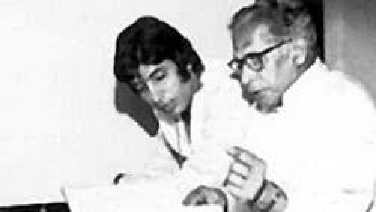 Amitabh Bachchan shares father Harivansh Rai Bachchan's reaction to his first book