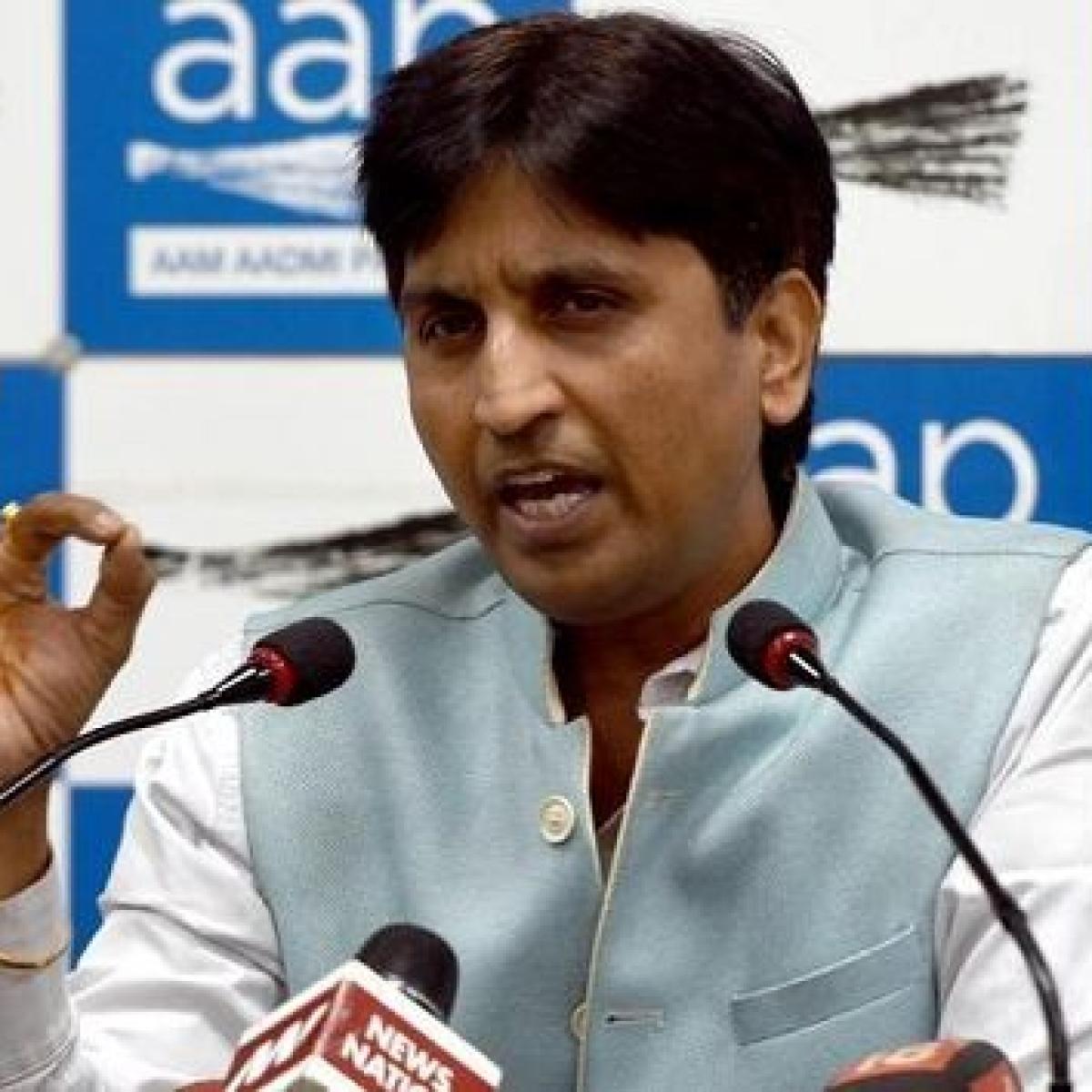 Arvind Kejriwal vs Kumar Vishwas? Twitter wonders if AAP leader is joining BJP