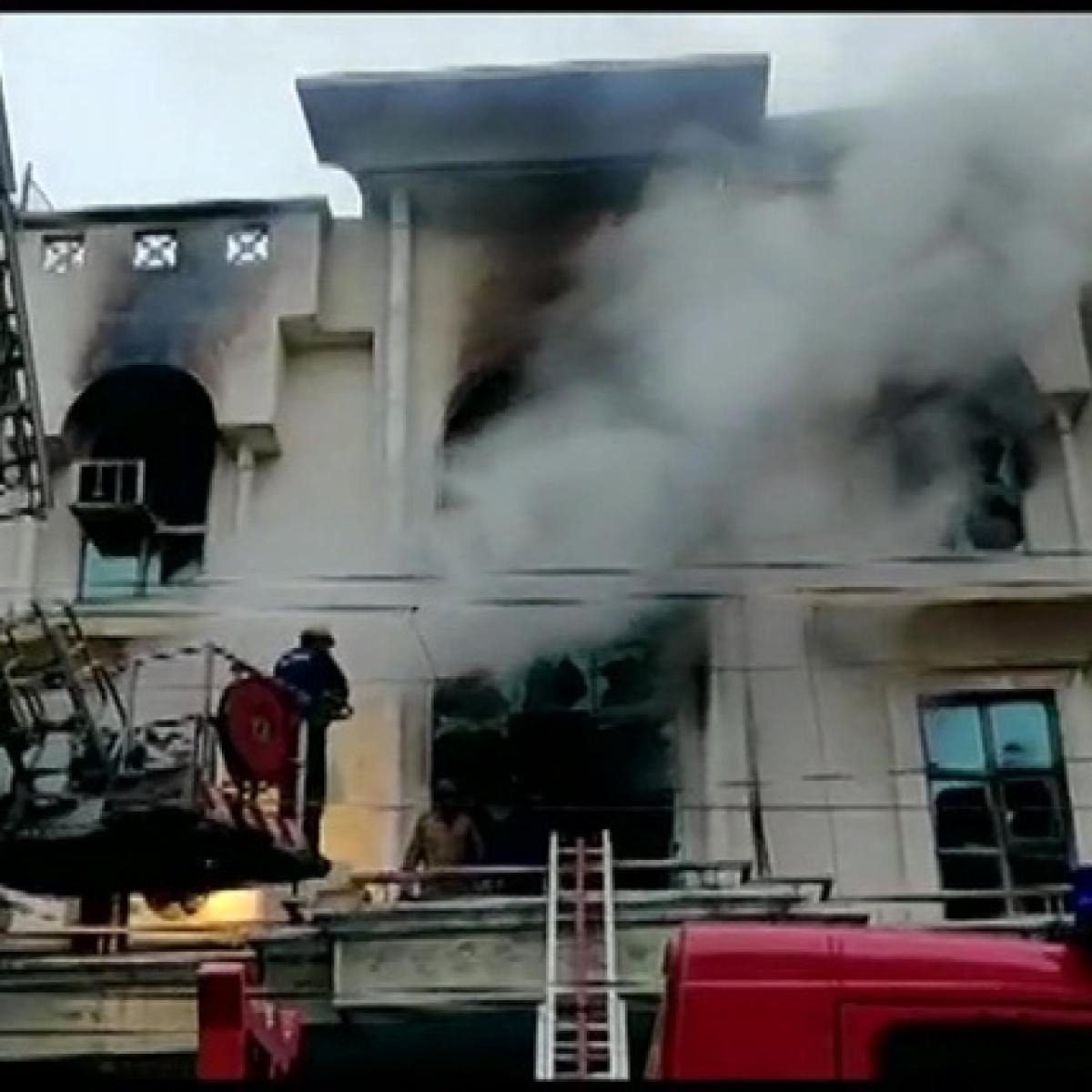Major fire breaks out in Patparganj Industrial Area of Delhi, 1 killed