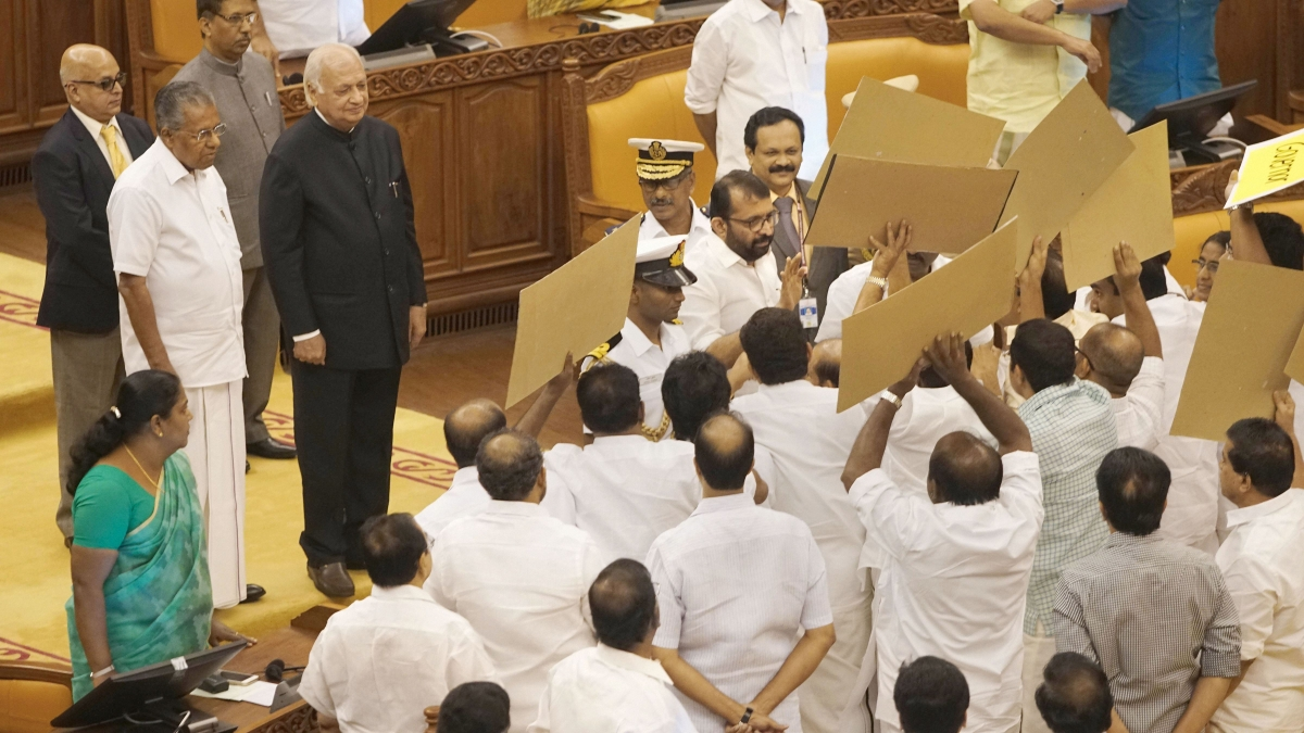 Kerala Governor Arif Mohammed Khan being blocked by protesting opposition legislators on his arrival into the house for governors address, in Thiruvananthapuram