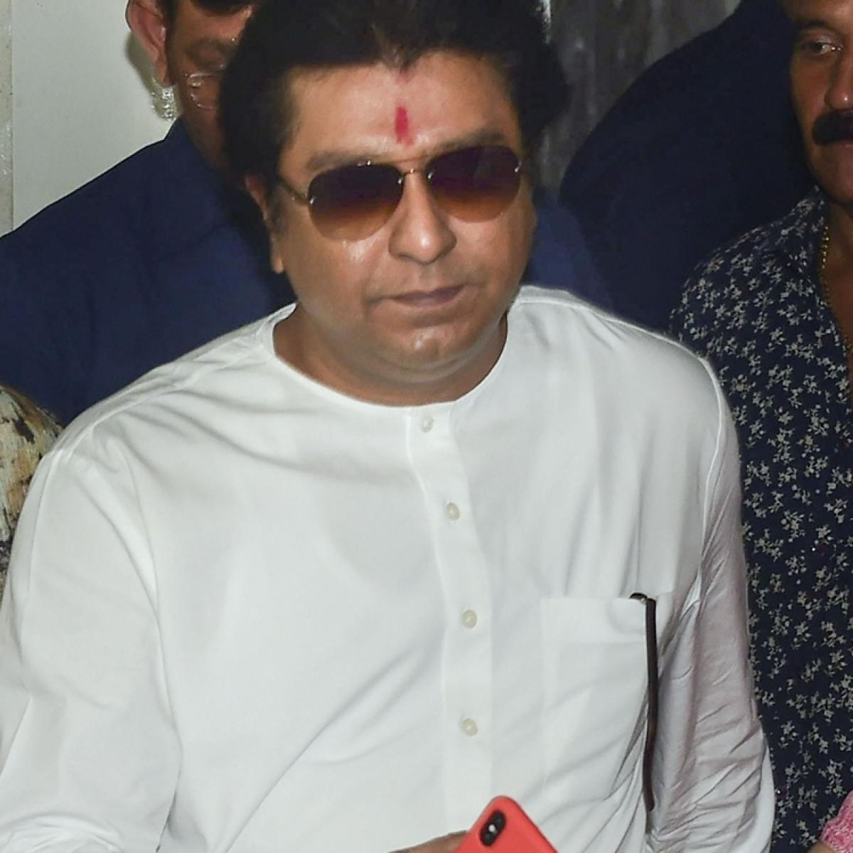 Is PM Modi-baiter Raj Thackeray going the 'Lotus' way?