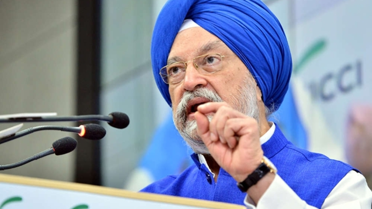 Passengers to be put on 'no-fly' list for violating COVID-19 norms: Hardeep Puri