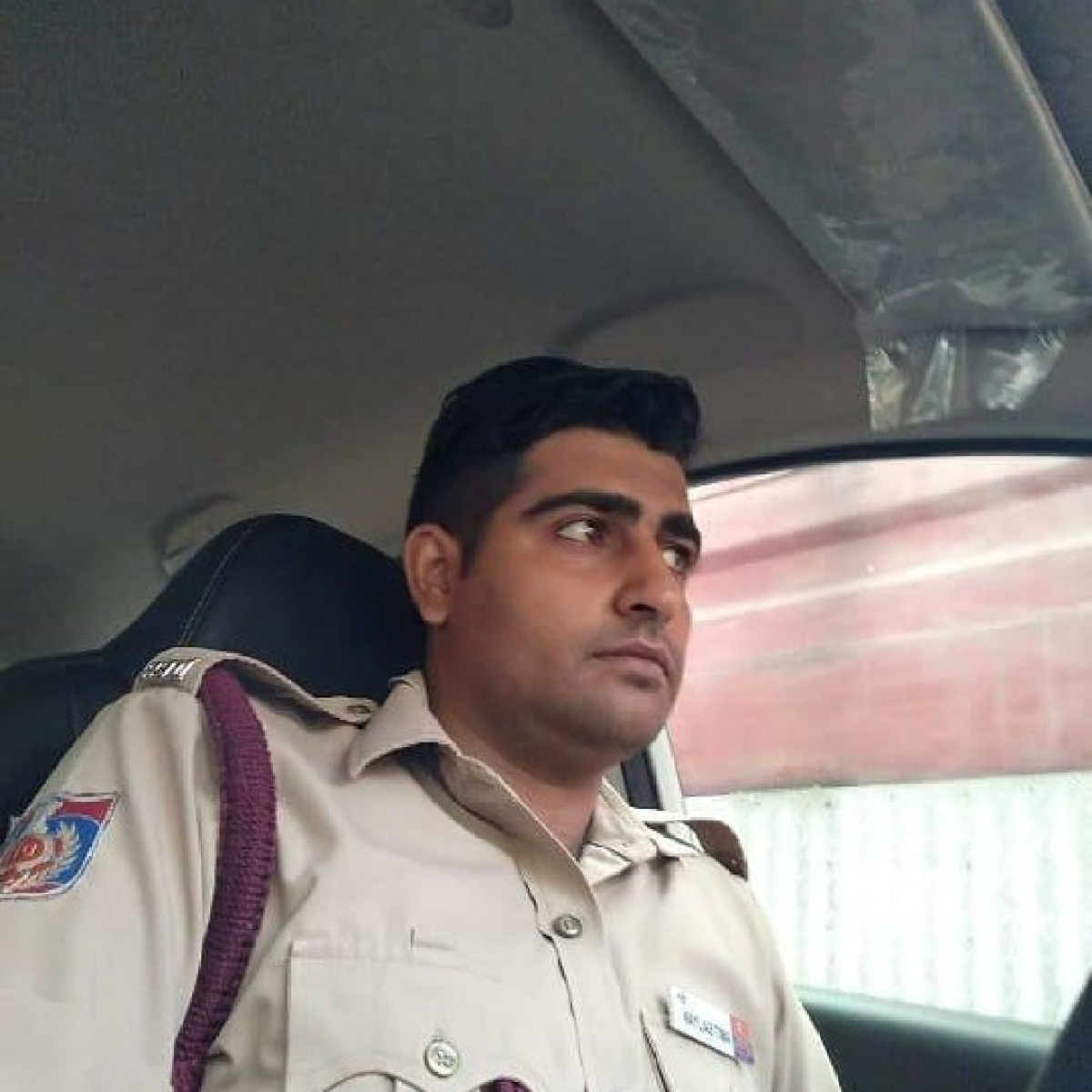 Kejriwal meets family of deceased fireman, assures job for kin