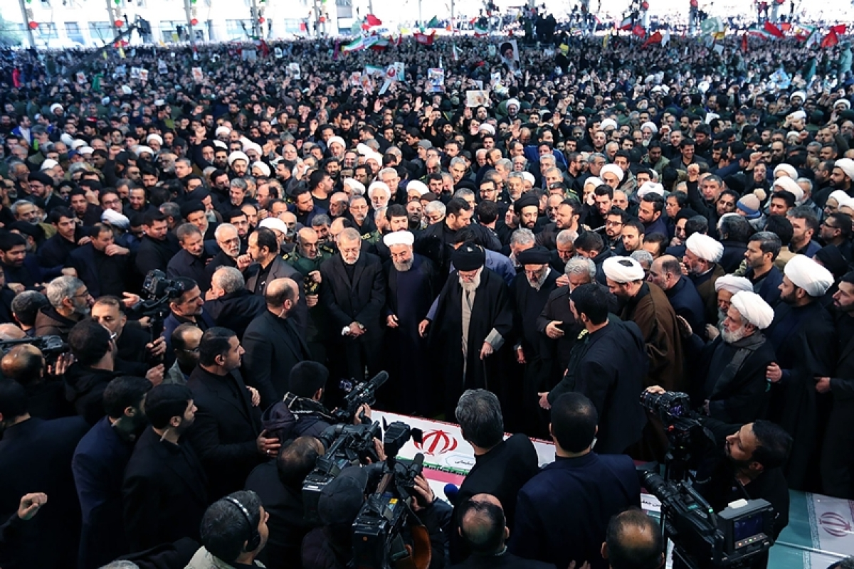 Tens of thousands turn out in Iranian city for Qassem Soleimani's funeral