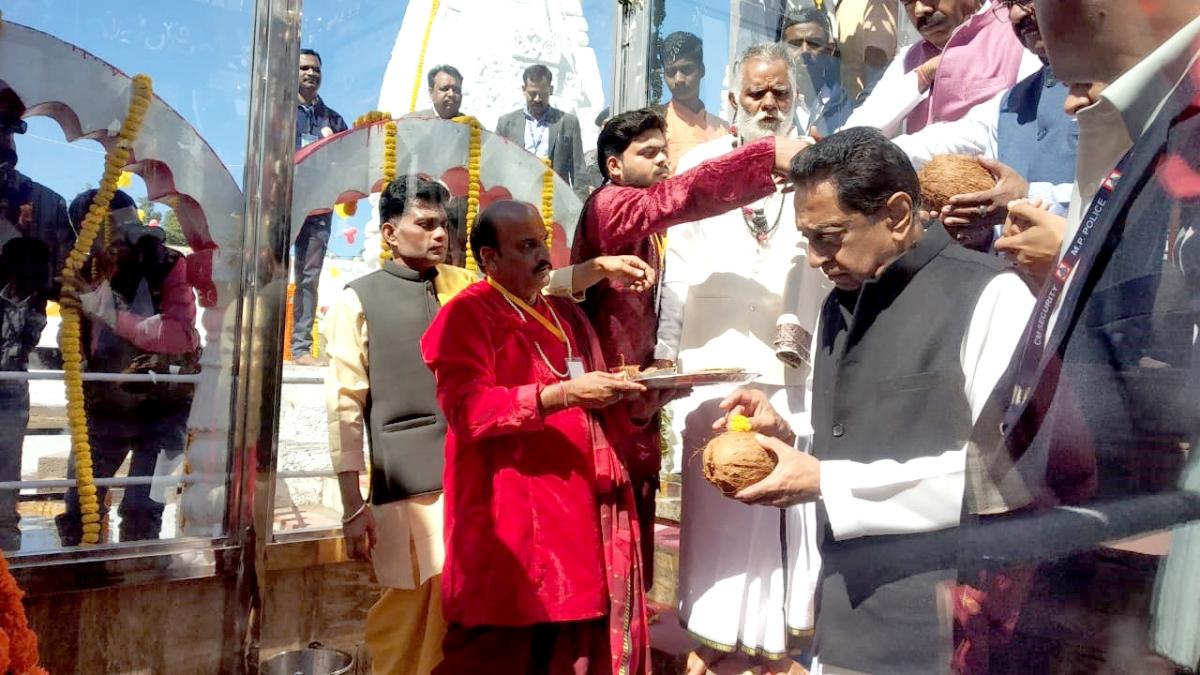 Kamal Nath's soft Hindutva sends BJP into a tizzy