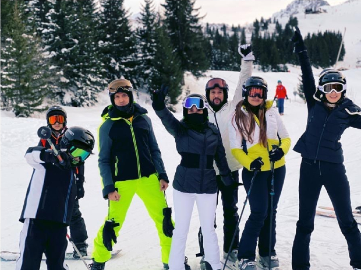 Modern Family: Hrithik Roshan and Sussanne Khan enjoy snowy vacation with their sons in France