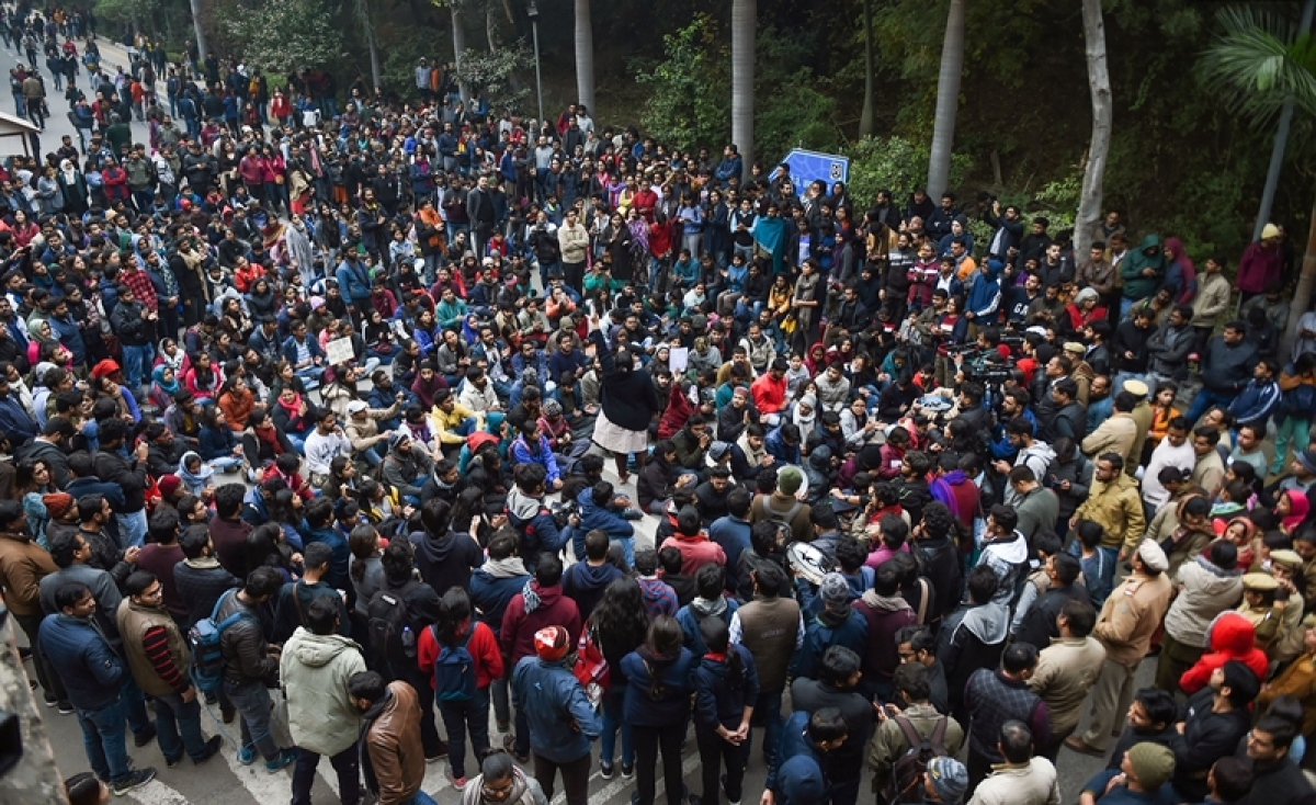 Violence in JNU lasted for half an hour, claim Delhi police sources