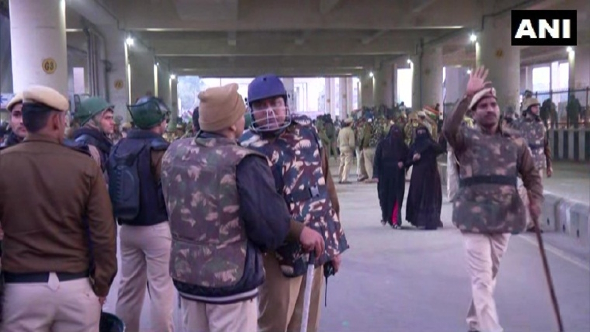 Over 500 gather outside Delhi's Jaffrabad to protest against CAA, NRC; security beefed up