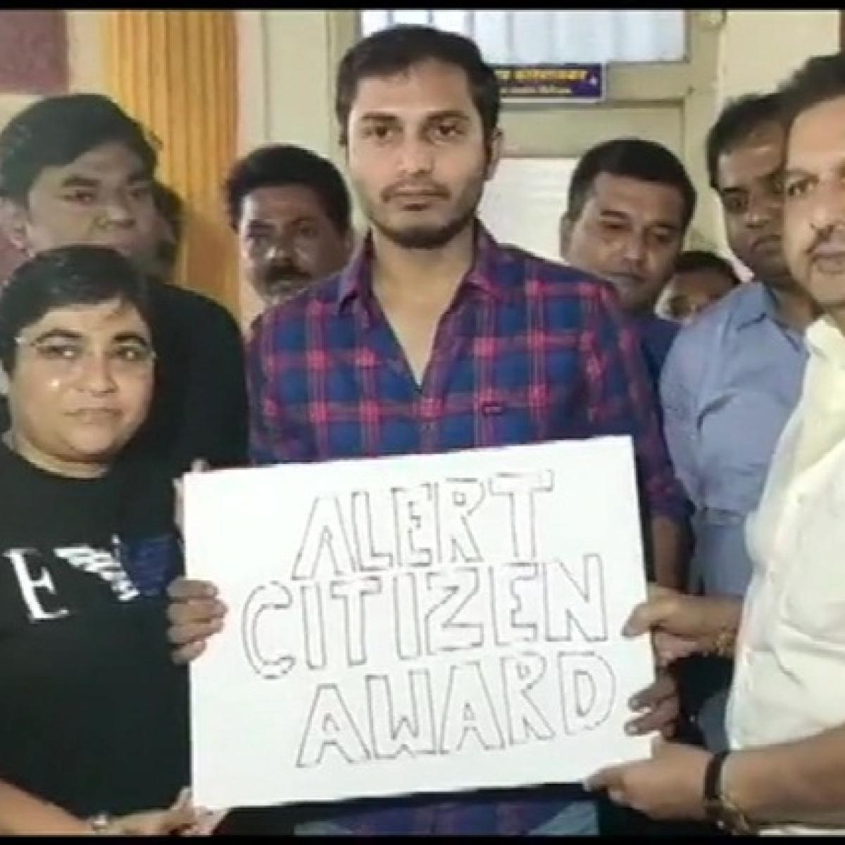 Mumbai BJP chief Mangal Prabhat Lodha felicitates Uber driver Rohit Singh Gour with 'Alert Citizen Award'