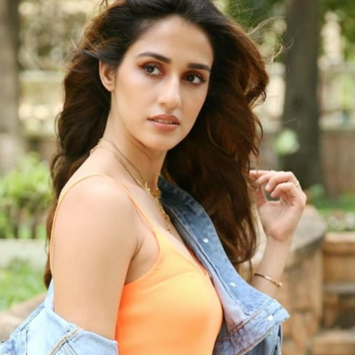 Watch Video: Disha Patani's bodyguard pushes, gets into a brawl with paparazzi