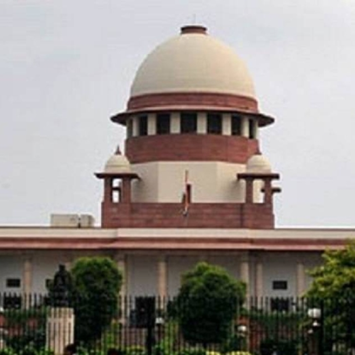 Ask private labs to test coronavirus for free: SC orders Centre