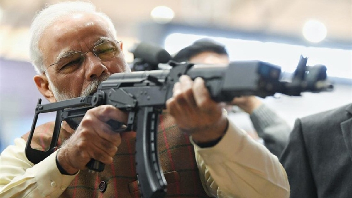 'Gun ki baat': Check out the best pictures of PM Modi from Defence Expo 2020