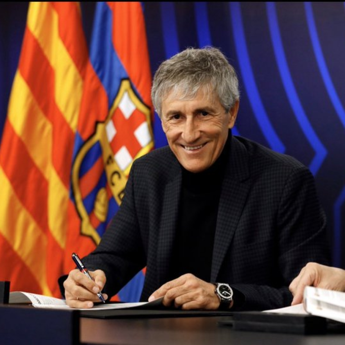 Quique Setien to remain in charge of Barcelona next season: President Josep Bartomeu