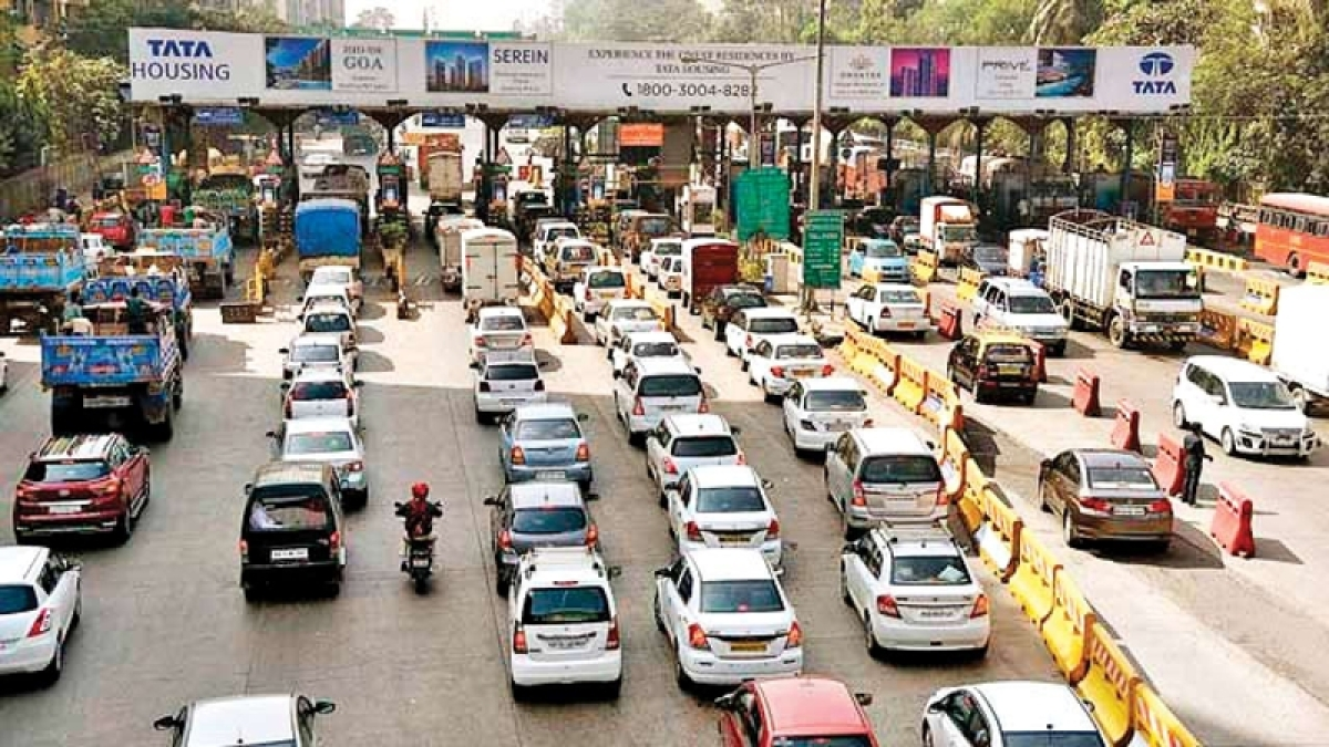 Toll booths to be replaced by GPS imaging technology within 1 year, says Nitin Gadkari