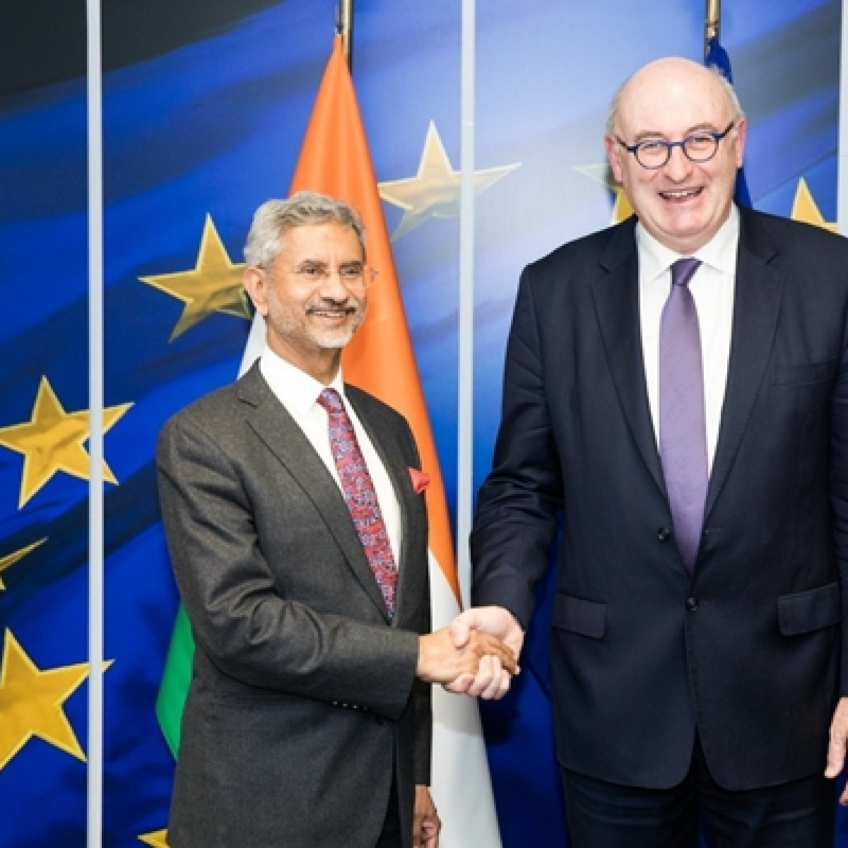 Jaishankar, EU Trade commissioner Phil Hogan discuss prospects for India-European economic cooperation