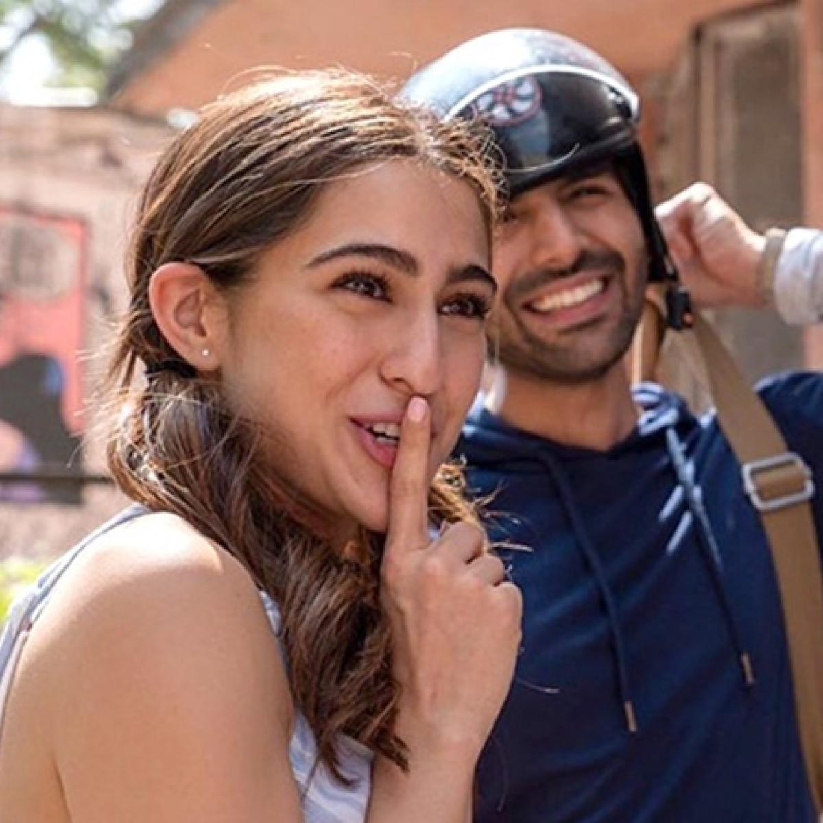 Kartik Aaryan shares BTS from 'Love Aaj Kal', calls Sara Ali Khan 'amma'