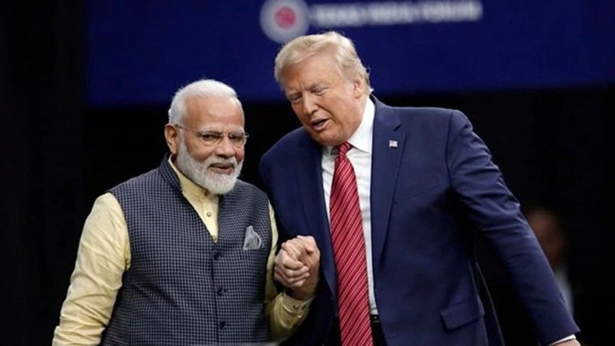 India PM Narendra Modi (L) with US President Donald Trump