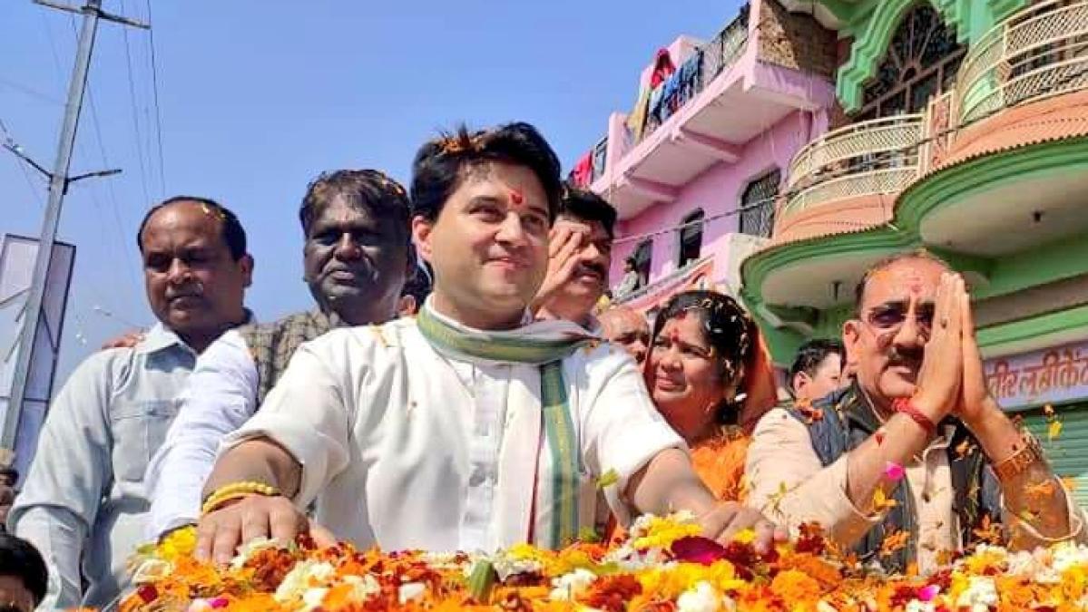 BJP workers should think about honouring Jyotiraditya Scinidia's men: CM Shivraj Singh Chouhan