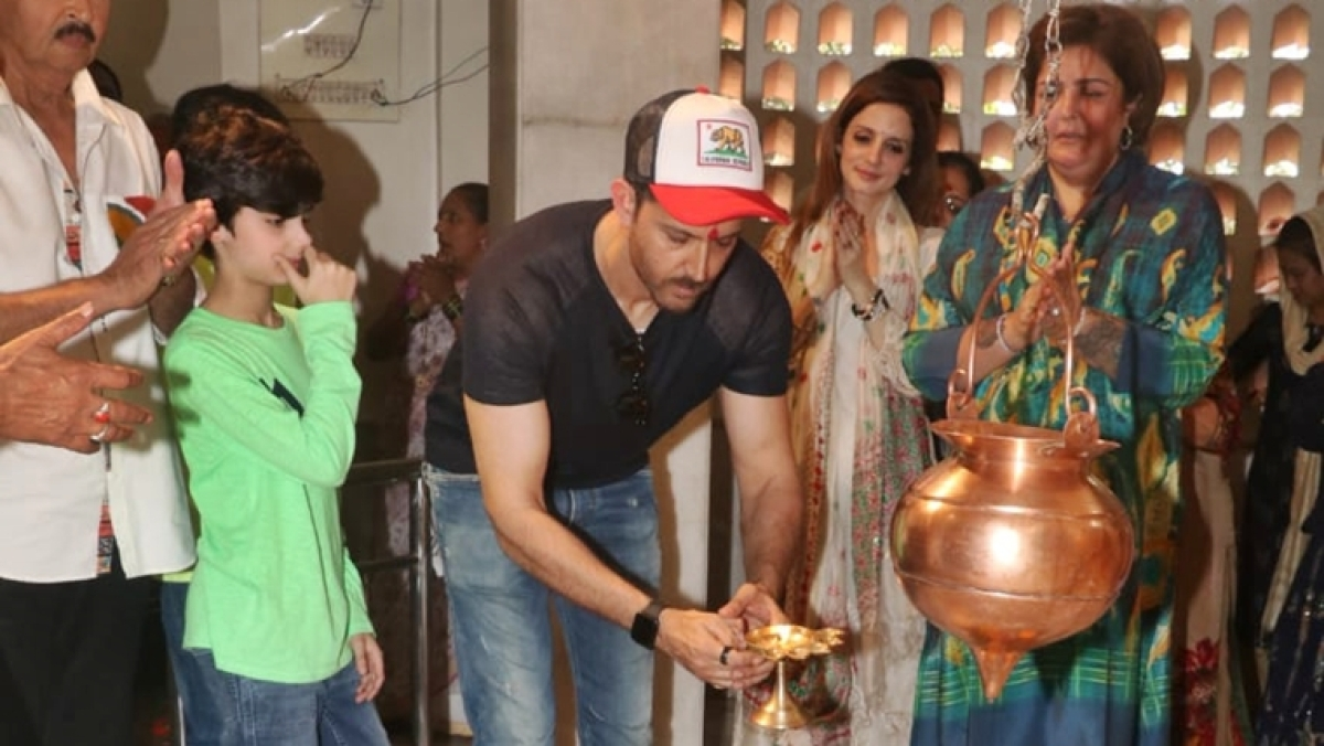 In Pics: Hrithik Roshan, Sussanne Khan offer prayers to Lord Shiva with family on Maha Shivratri