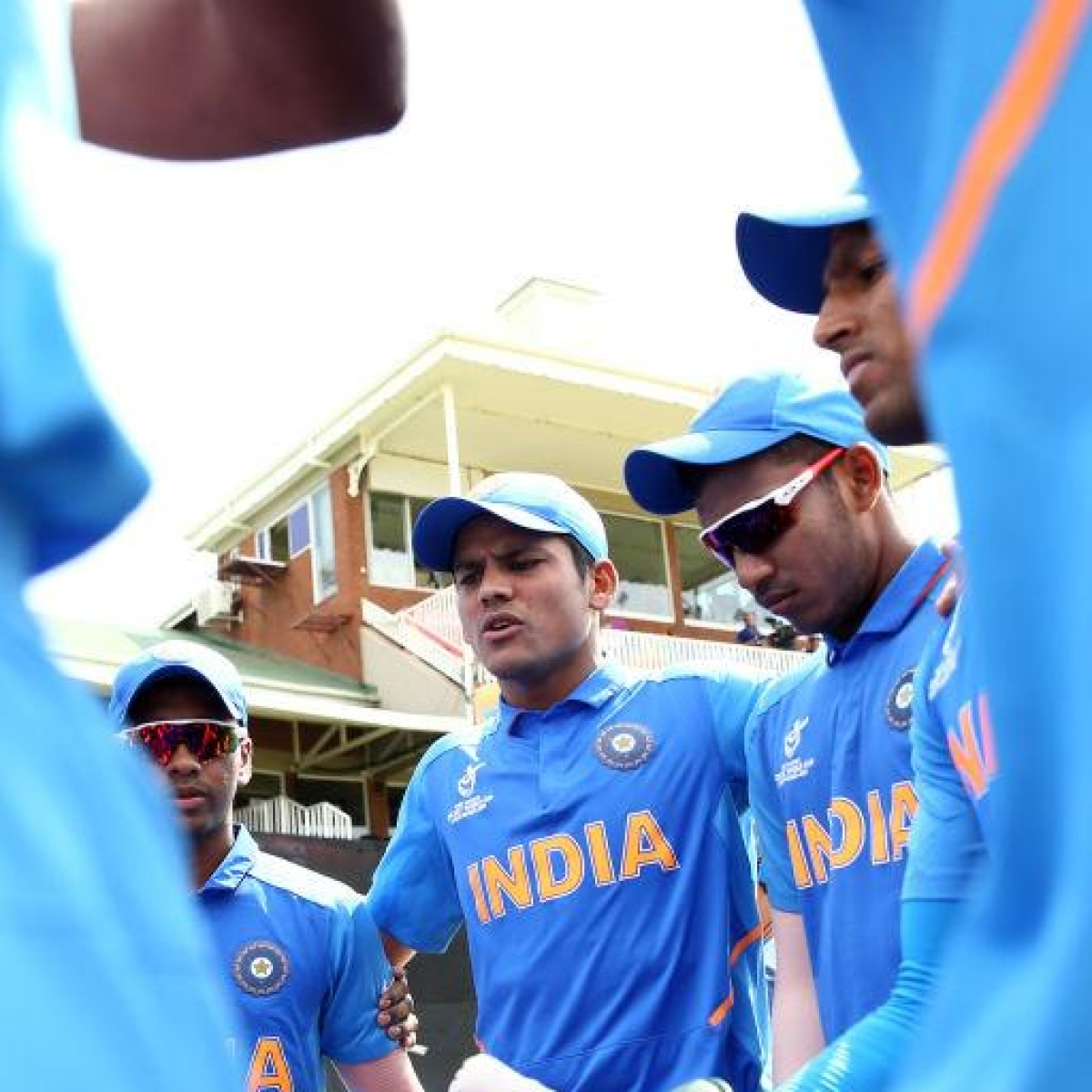 U-19 WC IND vs BAN: Indian cricket fraternity extends wishes to Boys in Blue