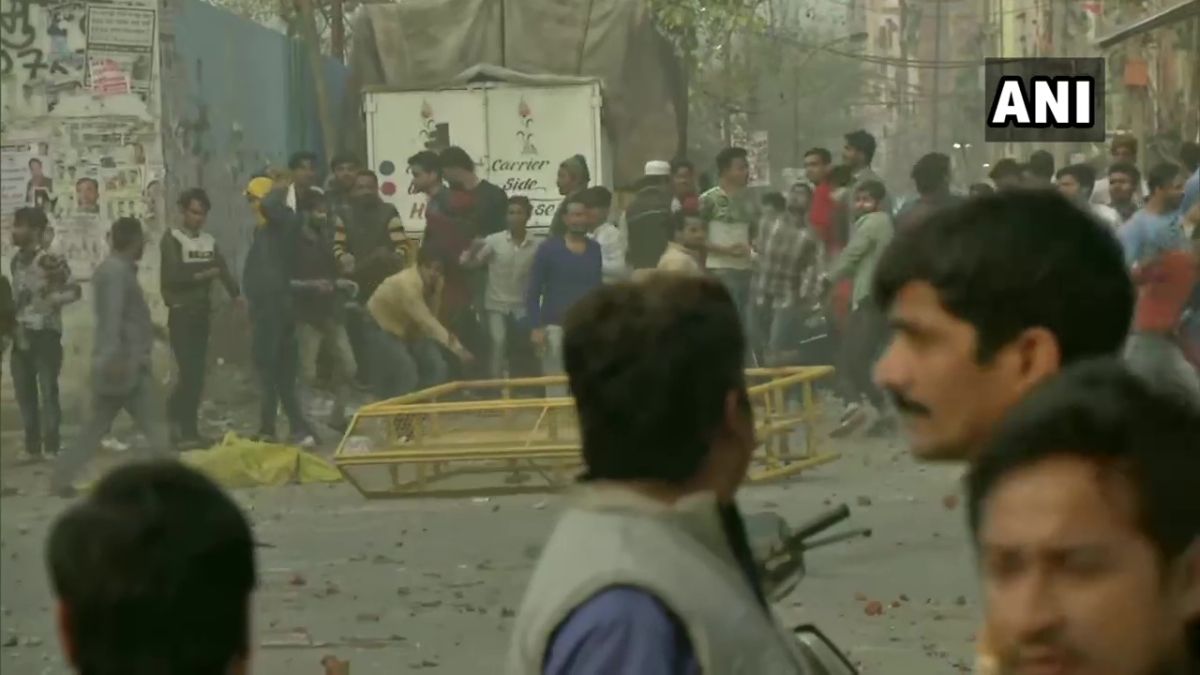 Stones thrown during CAA protest in Delhi's Maujpur; police fire tear gas shells