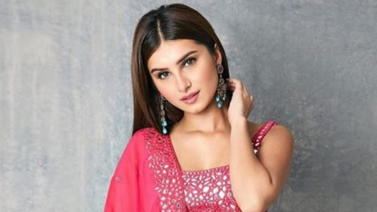 Watch video: Aadar Jain's rumoured girlfriend Tara Sutaria performs opera for Armaan and Anissa