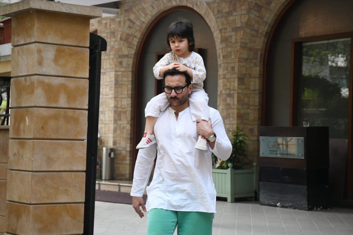 'Is it primetime or pottytime?': Times Now brutally trolled for asking flying kiss from Taimur Ali Khan