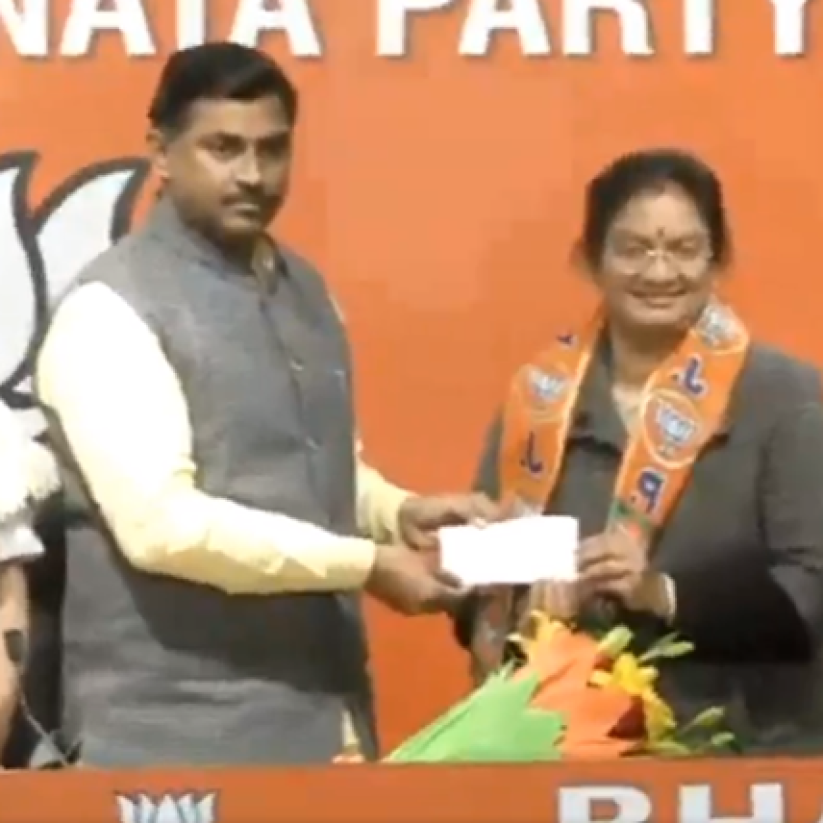 Ahead of Tamil Nadu Assembly polls, expelled AIADMK MP Sasikala Pushpa joins BJP