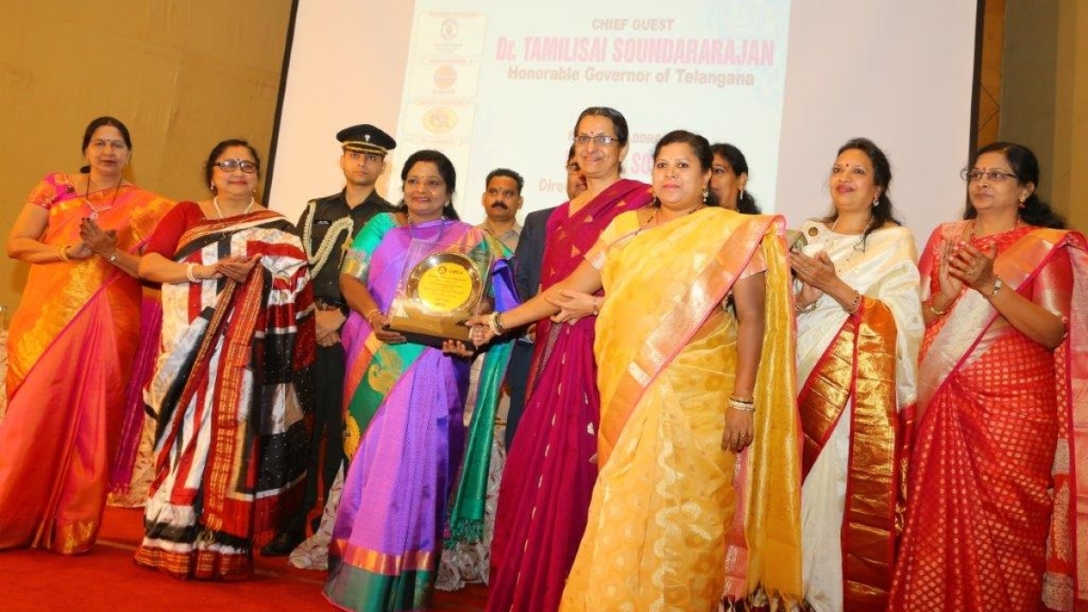"""HPCL wins """"Best Enterprise Award"""" in Forum of Women in Public Sector"""