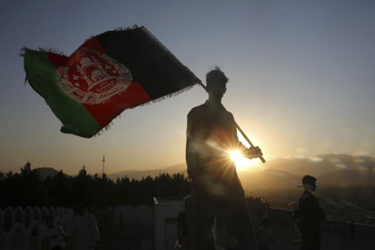 Afghan soldier kills 2 US troops