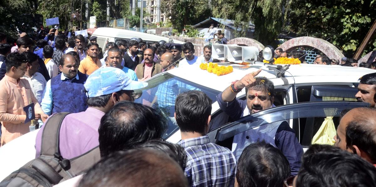 Bhopal: Rani Kamlapati statue unveiled amidst ruckus in police presence