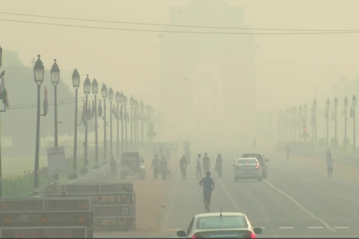 Air quality falls to 'very poor' category in Delhi-NCR, IMD predicts thunderstorm with lightning