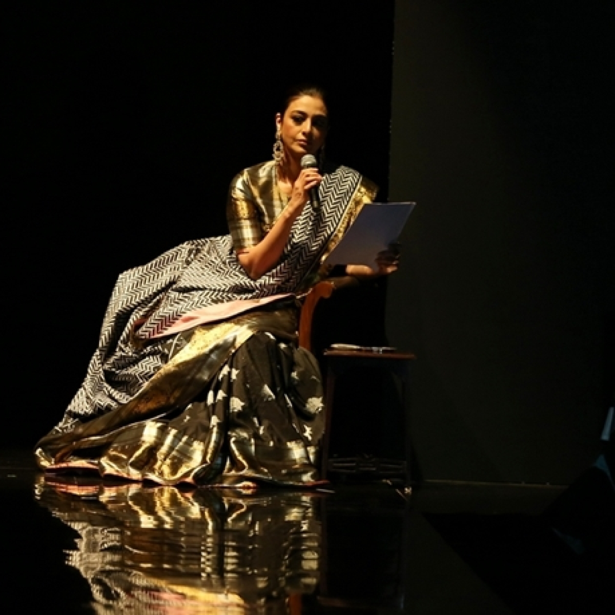 Tabu's poetry recital, Dia Mirza's Benarasi moment and more from LFW Day 3