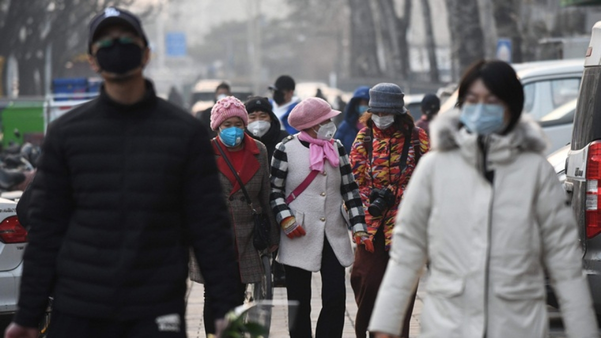 China's coronavirus death toll rises to 908, confirmed cases over 40,000