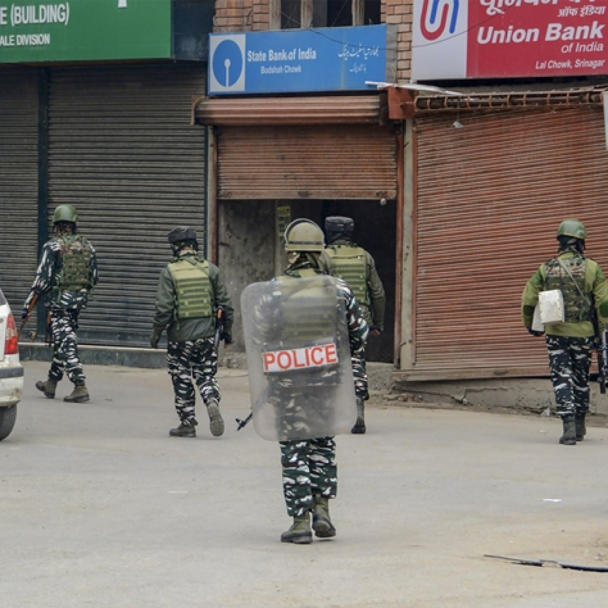 Terrorist among two held in Jammu and Kashmir's Pulwama