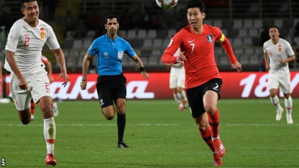 South Korea vs China football match.