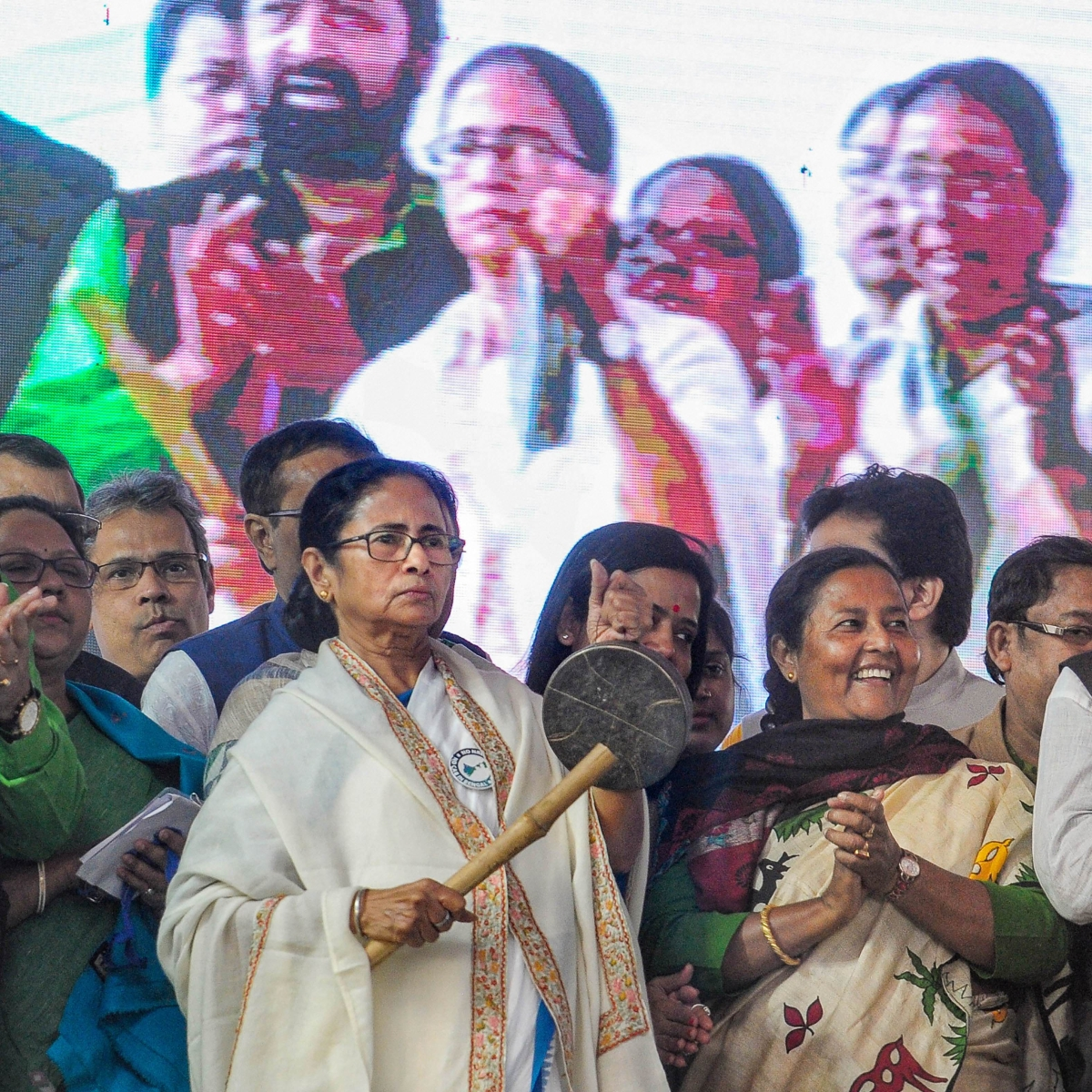 'BJP is a feku party, only interested in giving out fake news': Mamata slams Anurag Thakur, Yogi Adityanath; calls party divisive